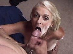 Mom gets cumshot in mouth